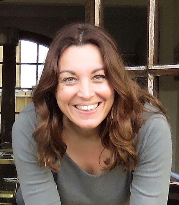 Delphine Germain, Sage-femme spécialisée en hypnose, en allaitement, en préparation à l'accouchement et en consultation à Montfermeil